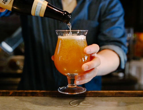 craft beer pour ipa